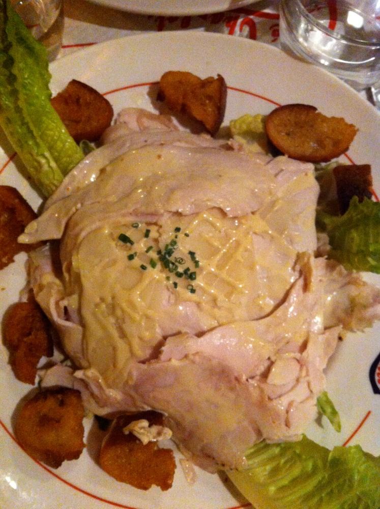 Avis aux amateurs ! La plus mauvaise salade César du monde est au Café Charlot à Paris. Courrez-y, c'est effrayant !  (2/3)